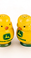 JOHN DEERE CHICKS SALT AND PEPPER SET