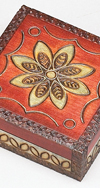FLOWERS/BRASS INLAYS BOX
