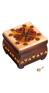 WOODEN HEART INLAID BOX